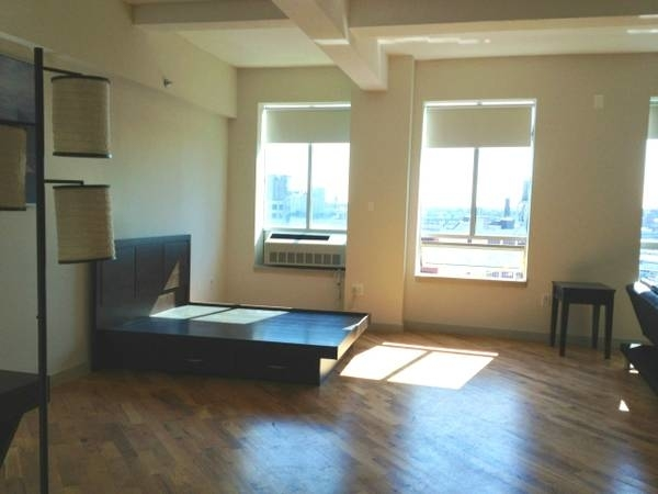 1 Bedroom, Long Island City Rental in NYC for $2,353 - Photo 1