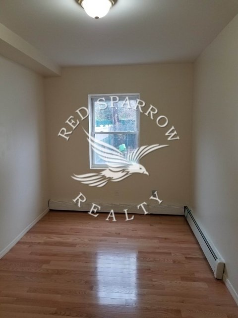 2 Bedrooms, Woodside Rental in NYC for $2,100 - Photo 1
