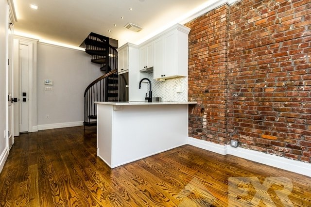 2 Bedrooms, Brooklyn Heights Rental in NYC for $4,100 - Photo 2