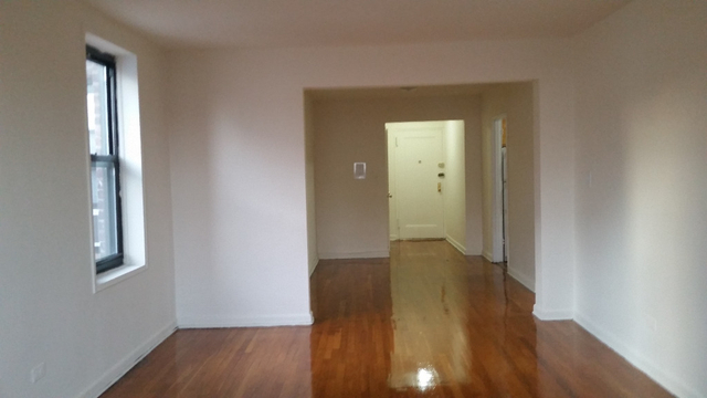 1 Bedroom, Elmhurst Rental in NYC for $1,819 - Photo 2