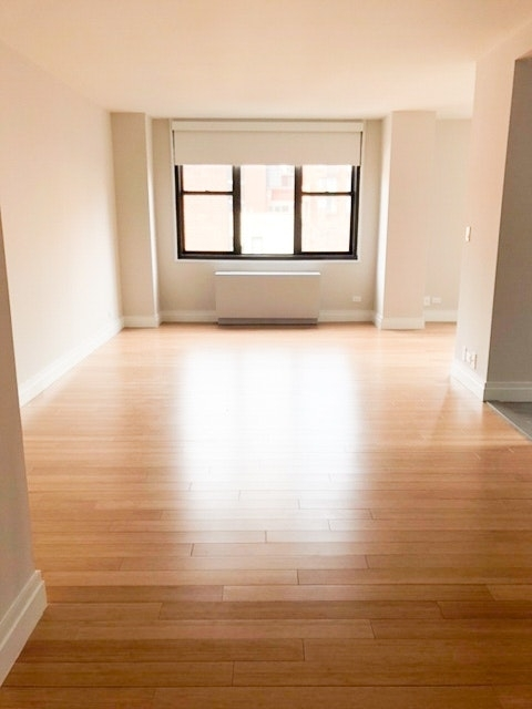 2 Bedrooms, Rose Hill Rental in NYC for $4,329 - Photo 1