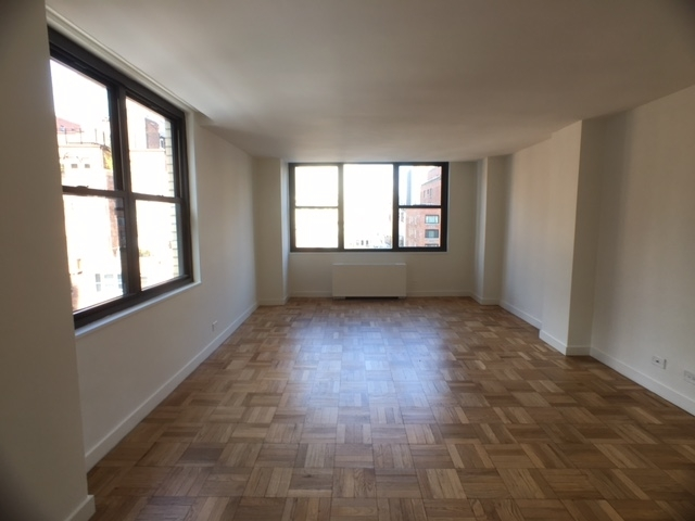 1 Bedroom, Turtle Bay Rental in NYC for $3,692 - Photo 2