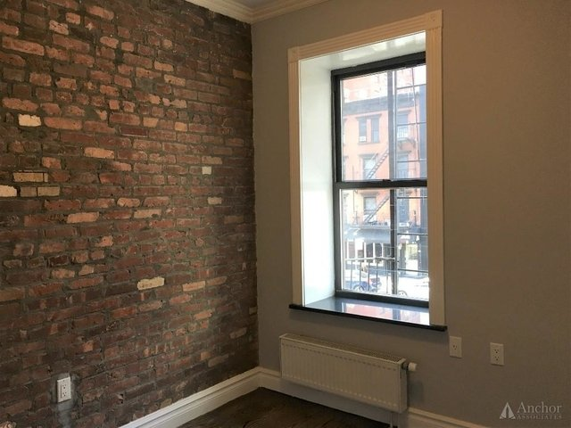 2 Bedrooms, East Village Rental in NYC for $4,300 - Photo 2