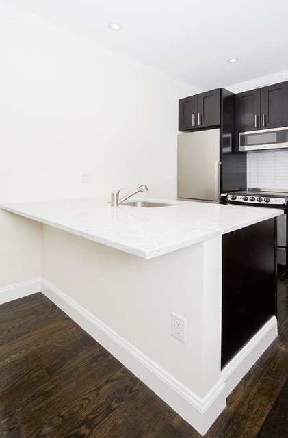 2 Bedrooms, Williamsburg Rental in NYC for $3,758 - Photo 2