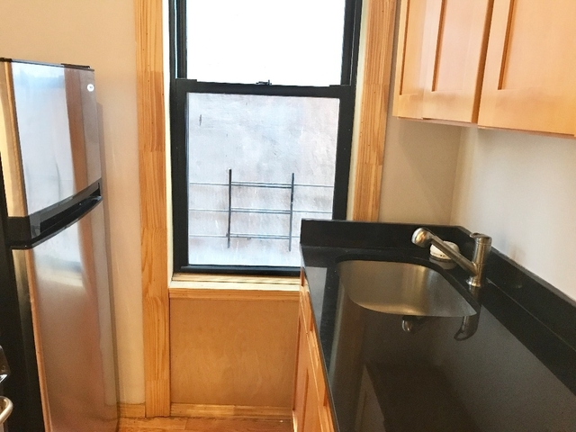 3 Bedrooms, Williamsburg Rental in NYC for $3,300 - Photo 2