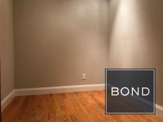 2 Bedrooms, Yorkville Rental in NYC for $2,629 - Photo 2