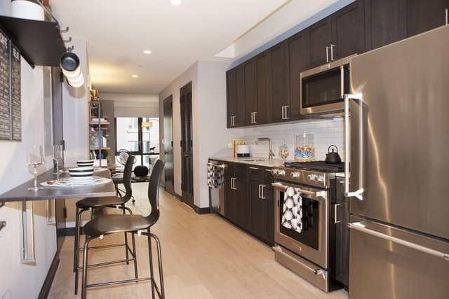 Studio, Lincoln Square Rental in NYC for $3,493 - Photo 2