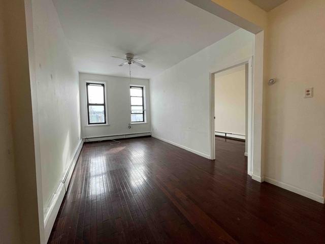 1 Bedroom, Glendale Rental in NYC for $1,500 - Photo 1