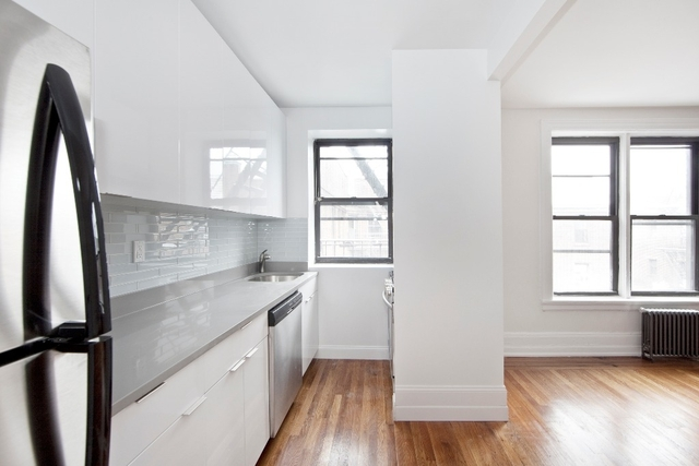 2 Bedrooms, Jackson Heights Rental in NYC for $2,681 - Photo 1
