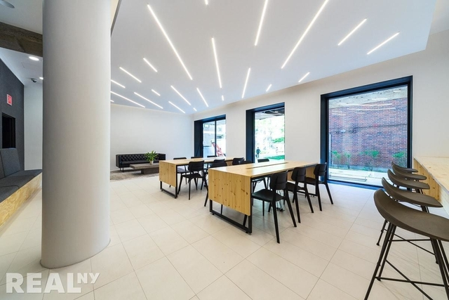 2 Bedrooms, Two Bridges Rental in NYC for $4,150 - Photo 2