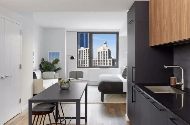 Studio, Hell's Kitchen Rental in NYC for $3,075 - Photo 1