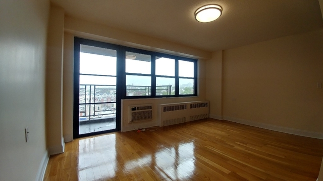 2 Bedrooms, South Slope Rental in NYC for $2,795 - Photo 2