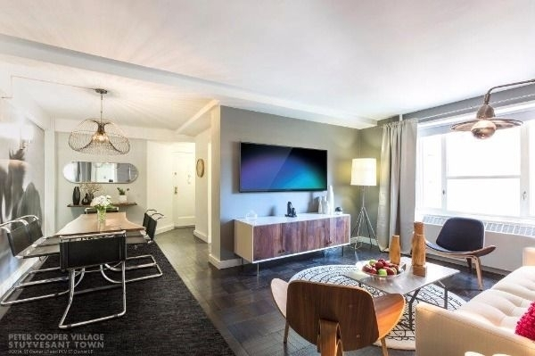 3 Bedrooms, Stuyvesant Town - Peter Cooper Village Rental in NYC for $6,295 - Photo 2