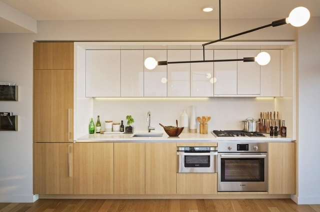 Studio, Hell's Kitchen Rental in NYC for $3,405 - Photo 2