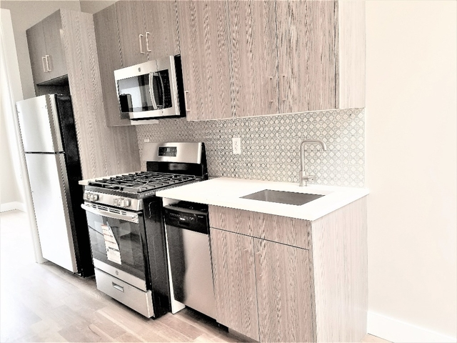 3 Bedrooms, Greenpoint Rental in NYC for $3,290 - Photo 1
