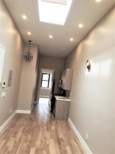 3 Bedrooms, Greenpoint Rental in NYC for $3,290 - Photo 2