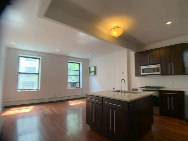 3 Bedrooms, Upper West Side Rental in NYC for $6,200 - Photo 1