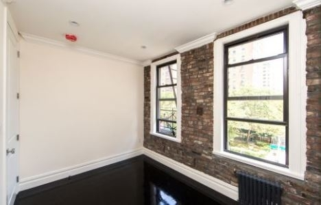 2 Bedrooms, Bowery Rental in NYC for $4,450 - Photo 2