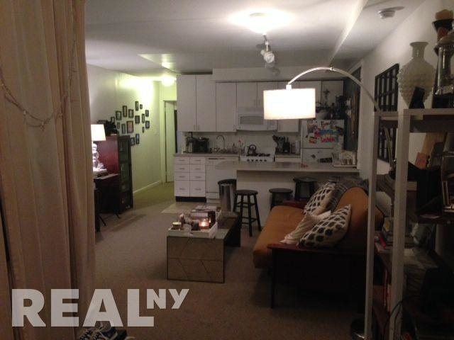 2 Bedrooms, Chinatown Rental in NYC for $3,800 - Photo 2
