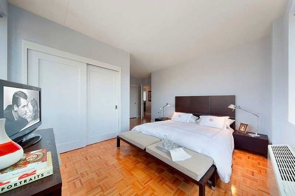 2 Bedrooms, Newport Rental in NYC for $3,830 - Photo 1