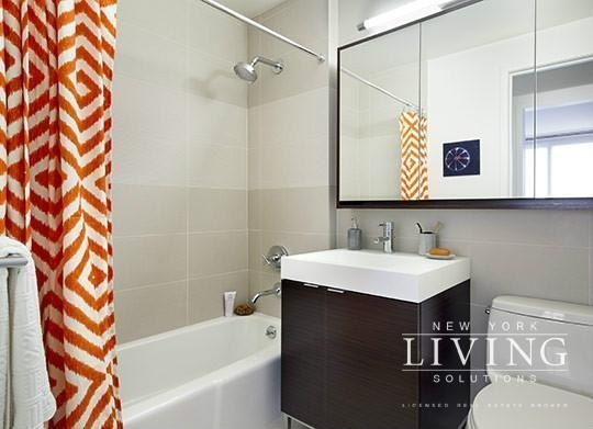 2 Bedrooms, Tribeca Rental in NYC for $7,425 - Photo 2