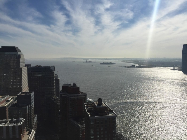 3 Bedrooms, Battery Park City Rental in NYC for $5,900 - Photo 2
