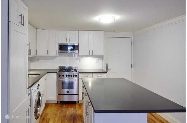 3 Bedrooms, Gramercy Park Rental in NYC for $5,564 - Photo 2