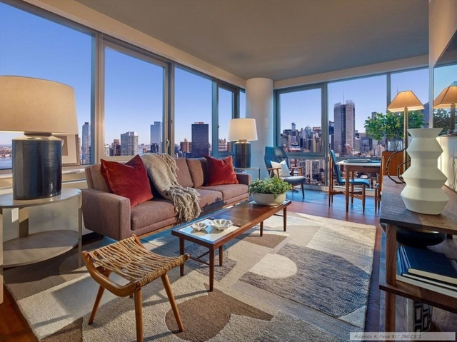 3 Bedrooms, Chelsea Rental in NYC for $9,495 - Photo 1