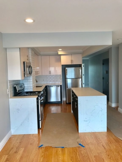 2 Bedrooms, Astoria Rental in NYC for $3,900 - Photo 2