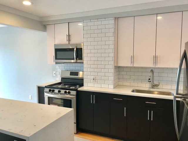2 Bedrooms, Astoria Rental in NYC for $3,900 - Photo 1