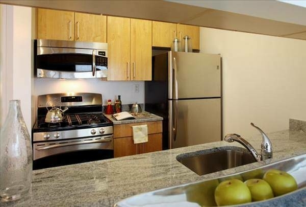 Room, Chelsea Rental in NYC for $1,900 - Photo 2