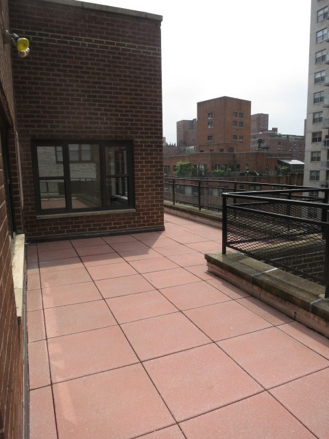 3 Bedrooms, Sutton Place Rental in NYC for $8,500 - Photo 2