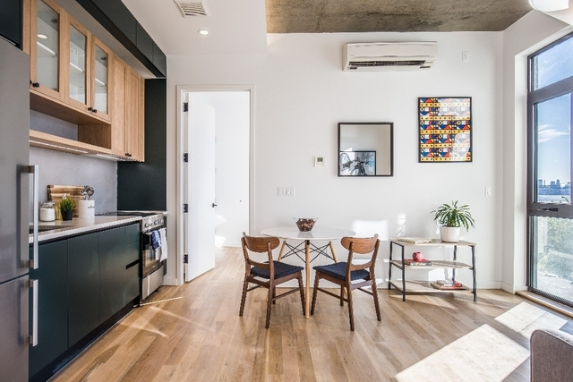 2 Bedrooms, Greenpoint Rental in NYC for $4,266 - Photo 2