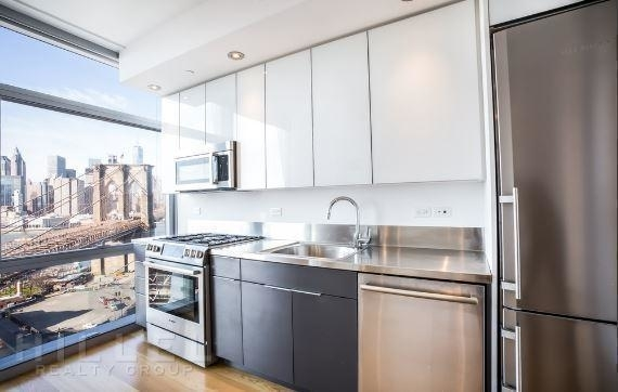 Studio, DUMBO Rental in NYC for $2,750 - Photo 2