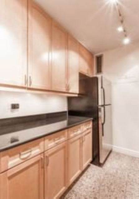 2 Bedrooms, Yorkville Rental in NYC for $5,875 - Photo 1