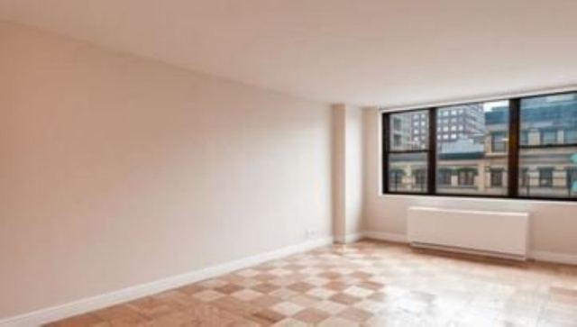 2 Bedrooms, Yorkville Rental in NYC for $5,875 - Photo 2
