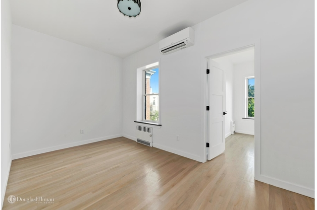 2 Bedrooms, Greenpoint Rental in NYC for $3,795 - Photo 2