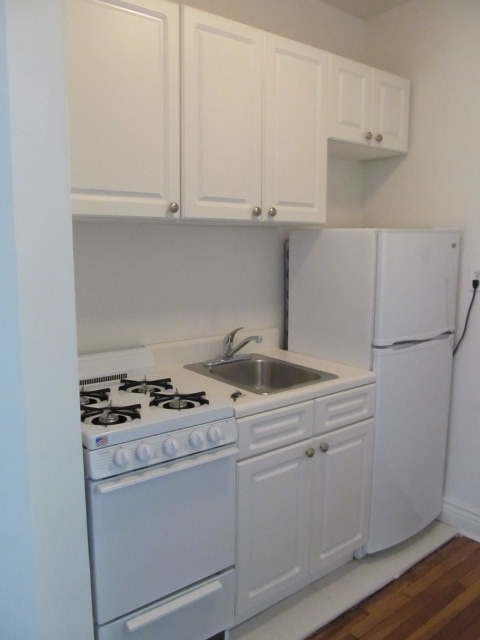 Studio, East Village Rental in NYC for $1,600 - Photo 2