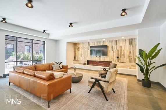 2 Bedrooms, Ridgewood Rental in NYC for $3,150 - Photo 2