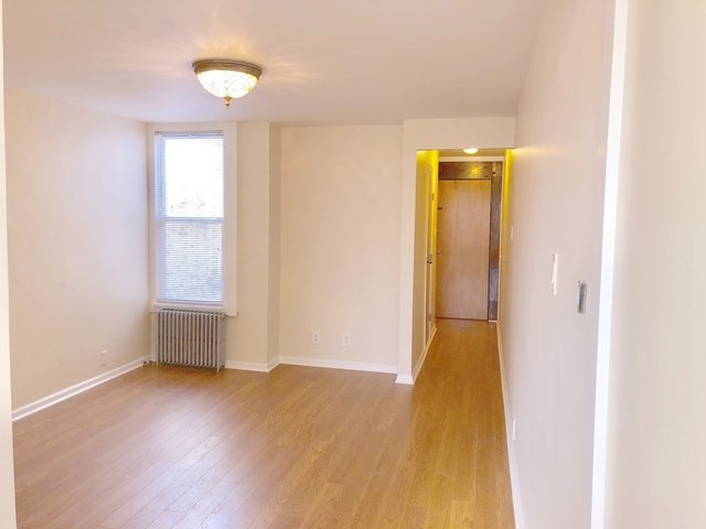 2 Bedrooms, Ridgewood Rental in NYC for $1,950 - Photo 1