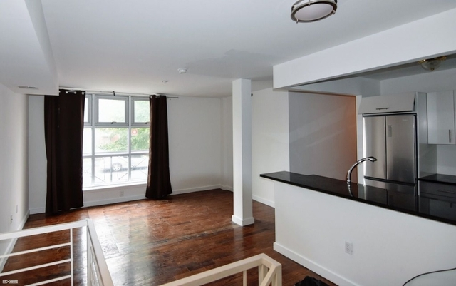 2 Bedrooms, Greenpoint Rental in NYC for $3,250 - Photo 1