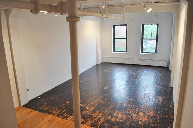 Loft, Red Hook Rental in NYC for $2,850 - Photo 2