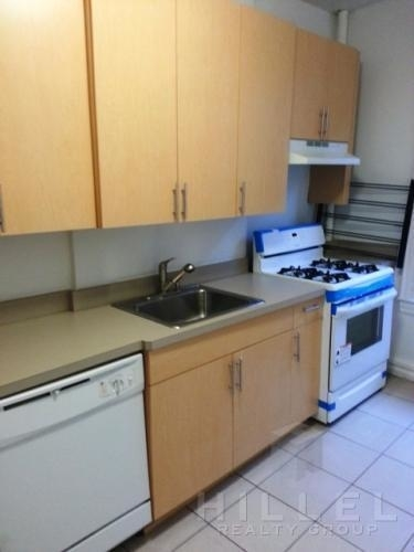 2 Bedrooms, Sunnyside Rental in NYC for $2,050 - Photo 2
