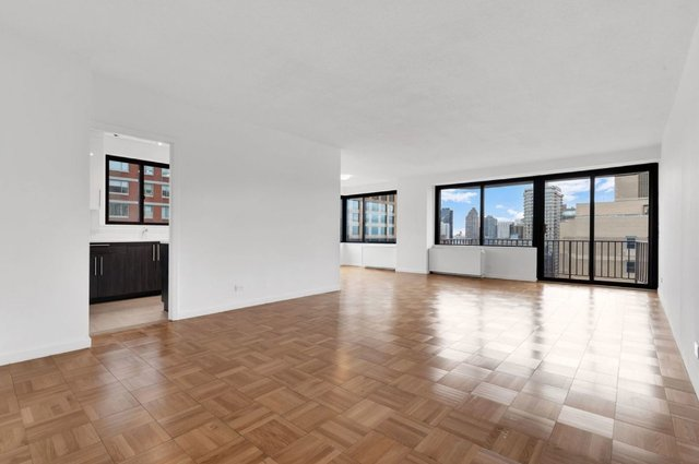 2 Bedrooms, Yorkville Rental in NYC for $6,400 - Photo 1