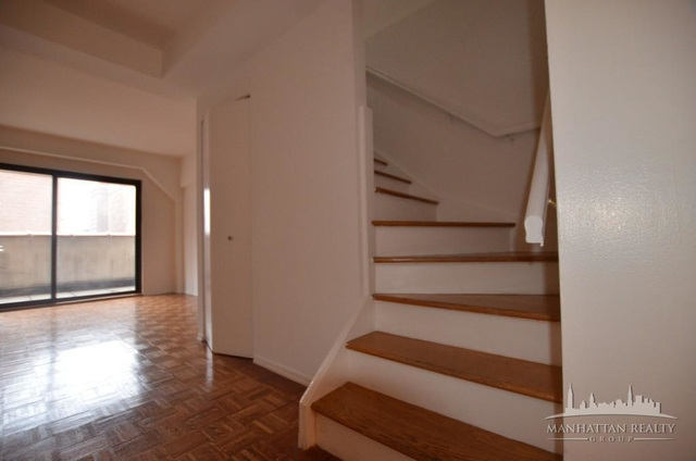 2 Bedrooms, Chelsea Rental in NYC for $3,050 - Photo 2