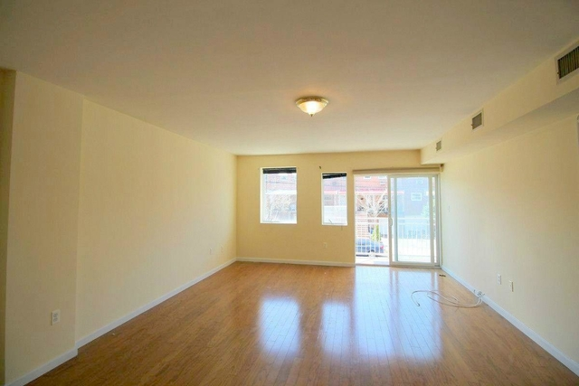 3 Bedrooms, Throgs Neck Rental in NYC for $2,599 - Photo 1