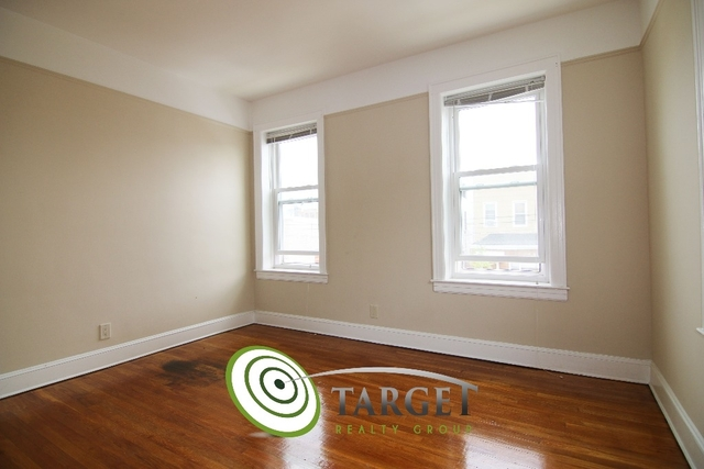 2 Bedrooms, Glendale Rental in NYC for $1,900 - Photo 2