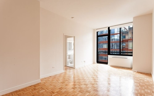 2 Bedrooms, Battery Park City Rental in NYC for $5,595 - Photo 2