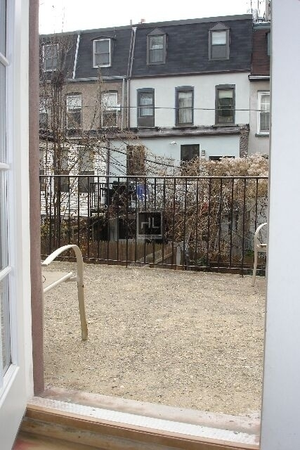 3 Bedrooms, North Slope Rental in NYC for $3,200 - Photo 2