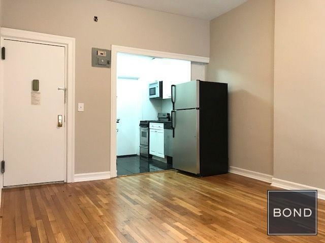 Studio, Upper East Side Rental in NYC for $2,159 - Photo 2